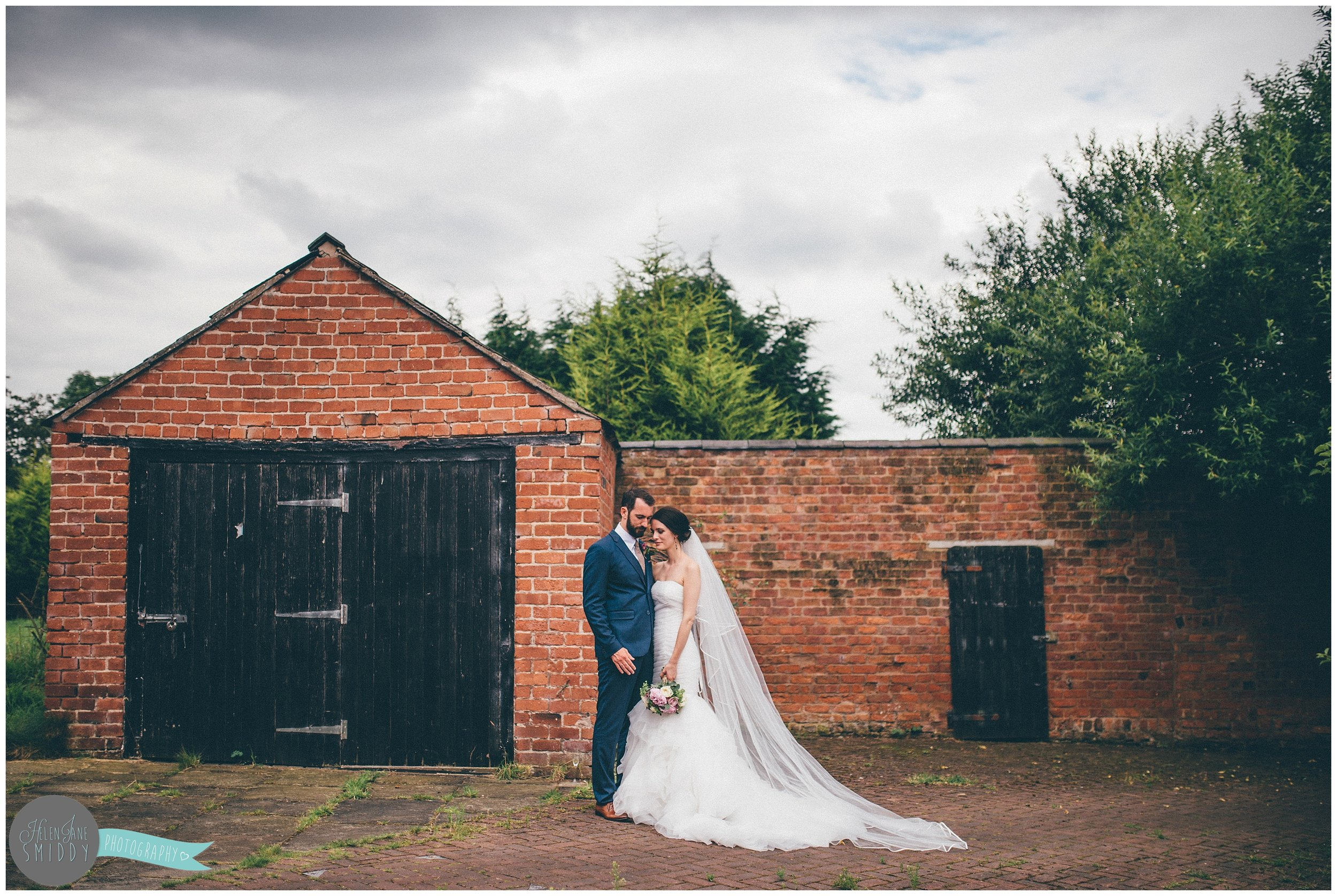 cheshire-runcorn-town-hall-chester-chesterfields-wedding-weddingphotography-photography-blue-skies-love-wedding-day-weddingday-wedding-gown-weddingdress-flowers-guest-manofhonour-maidofhonour-confetti-in-love-couple-shots-cake-cupcakes-weddingcake