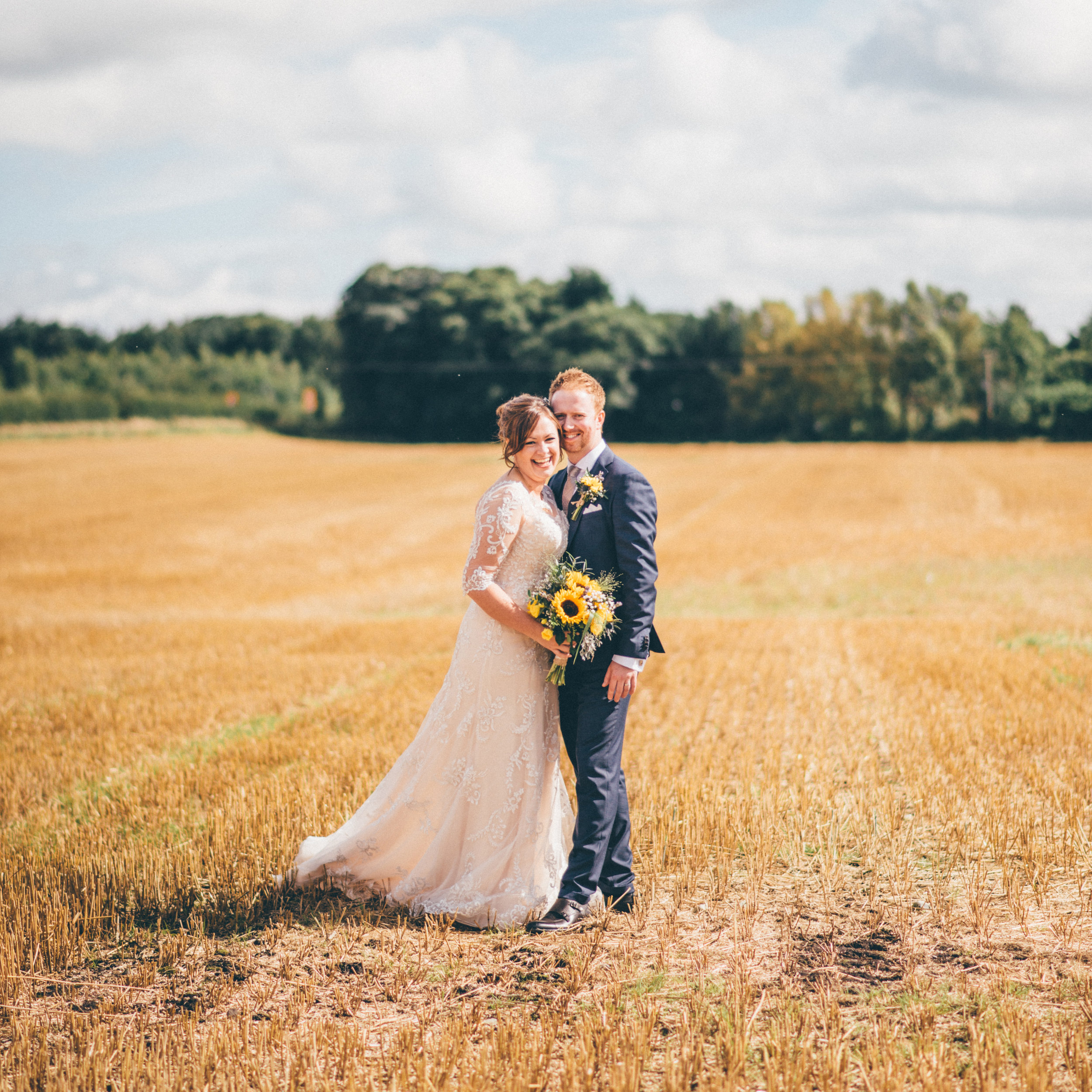 review-testimonial-weddingtestimonial-sandholeoakbarn-cheshirewedding-cheshireweddingphotographer