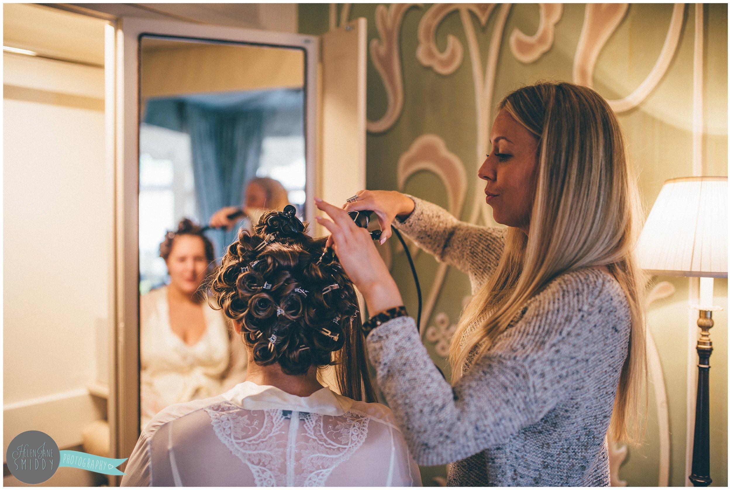 lemanoir-belmondlemanoir-belmondlemanoirauxquatsaisons-oxfordshire-oxfordshirewedding-weddingphotographer-cheshireweddingphotographer-cheshireweddingphotography-raymondblanc-fivestar-michelinstar-weddinghair-mac-macmakeup