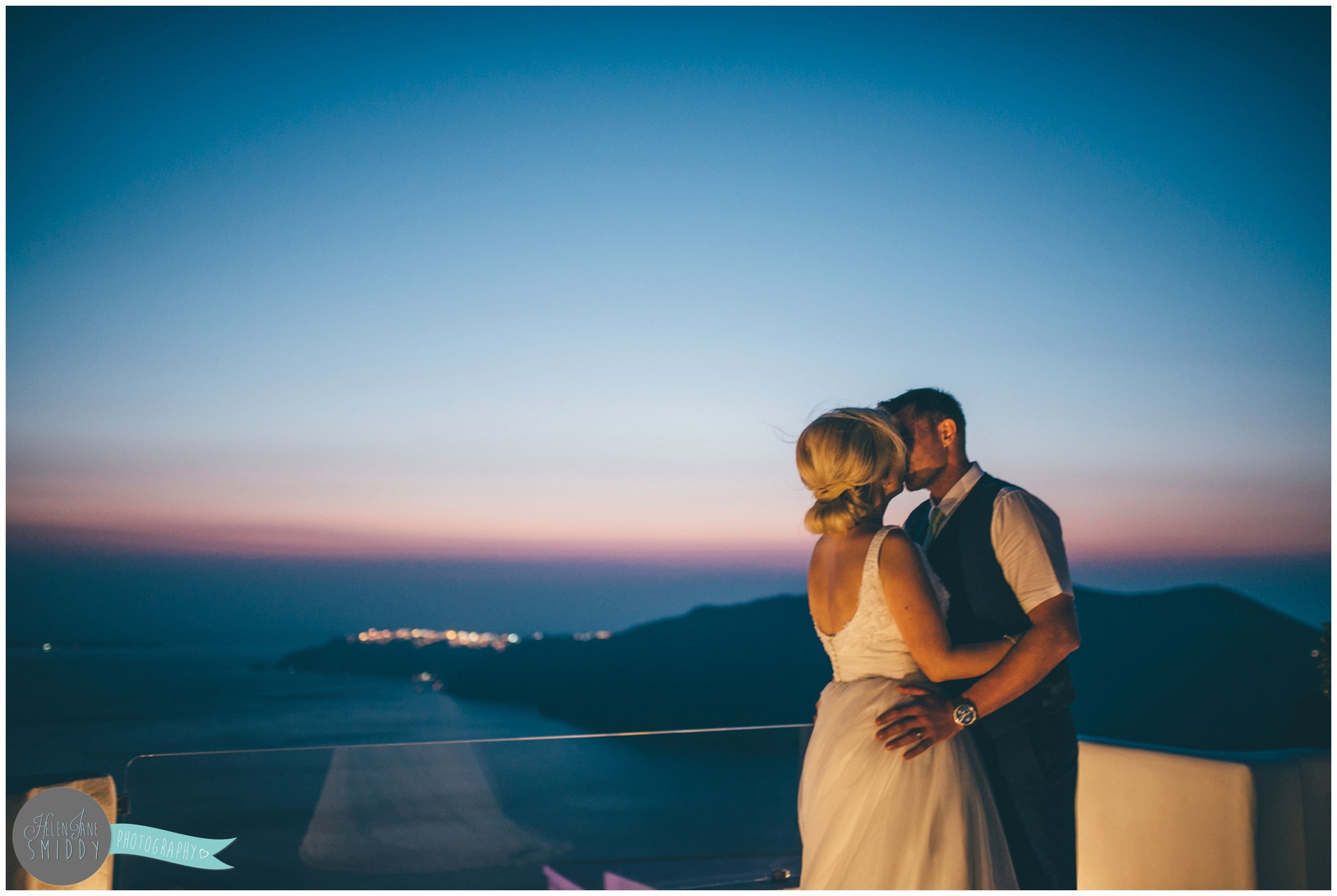 wedding-weddingphotographer-weddingphotographer-destinationwedding-destinationweddingphotographer-destinationweddingphotography-greece-santorini-thira-fira-leciel-brideandgroom-bride-groom-santoriniwedding-weddingspeech-weddingspeeches-speeches-newlyweds-weddingbouquet-cheshire-cheshirewedding-cheshireweddingphotographer-cheshireweddingphotography-bridalparty-weddingparty-sunset