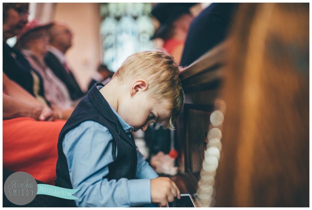 Frodsham wedding photographer shoots wedding in Norfolk.