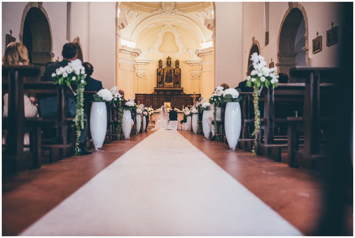 Beautiful destination wedding ceremony in Santa Maria Di Castellabate, Italy.