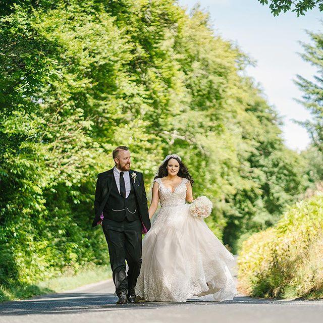 Naomh & William @solislougheske @houseofelliottflowers #lougheskecastle #bradleyquinnweddings #weddingphotographernorthernireland #donegal