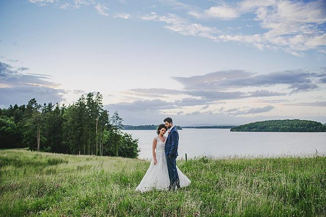 Lough Erne Resort @lougherneresort @richardwskinner #weddingphotographernorthernireland #weddingphotography #lougherne #lougherneresort #enniskillen #enniskillenhotel #lough #sky #dusk #brideandgroom