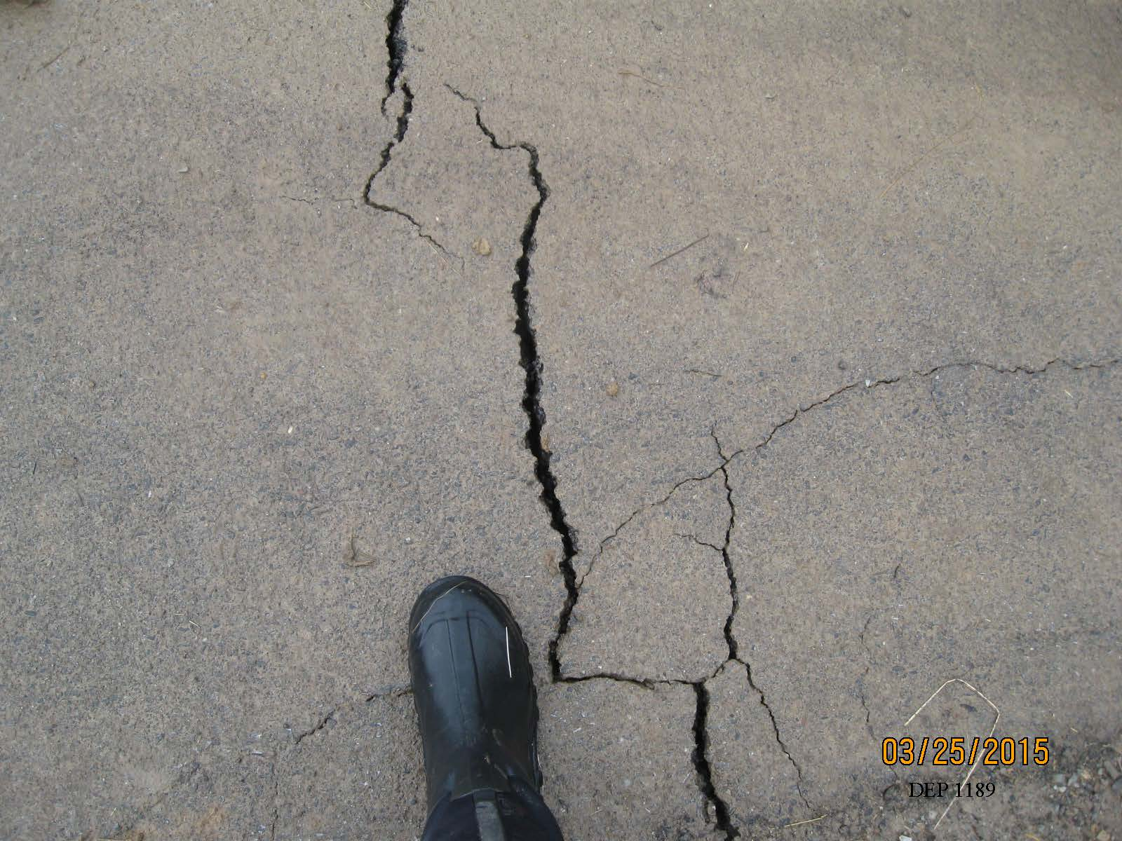 fractures in Polen Run Road post-mining.jpg