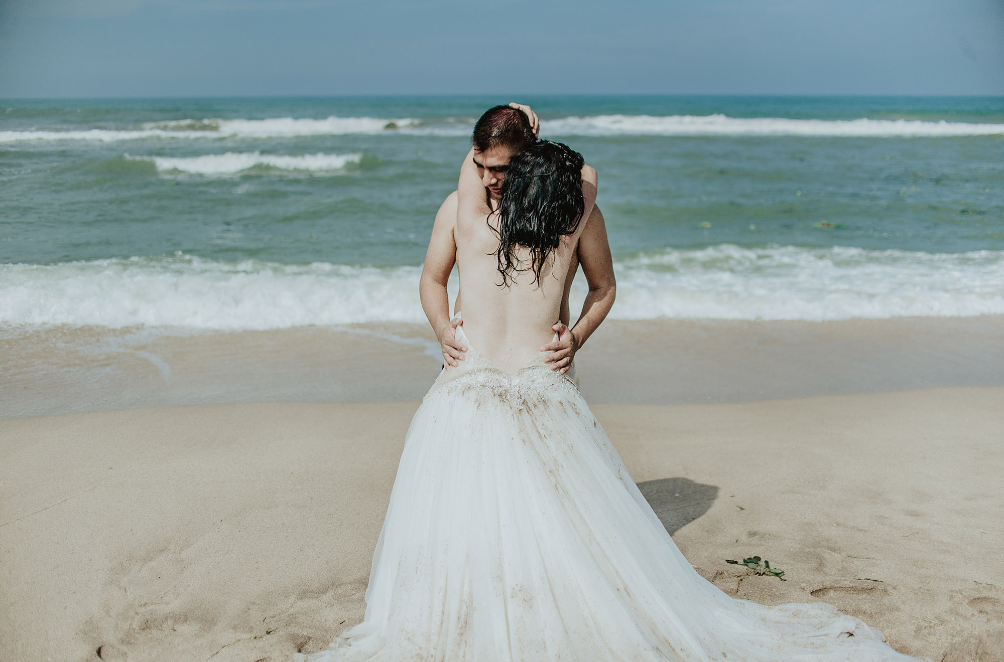 bibi y aldo trash the dress221.jpg
