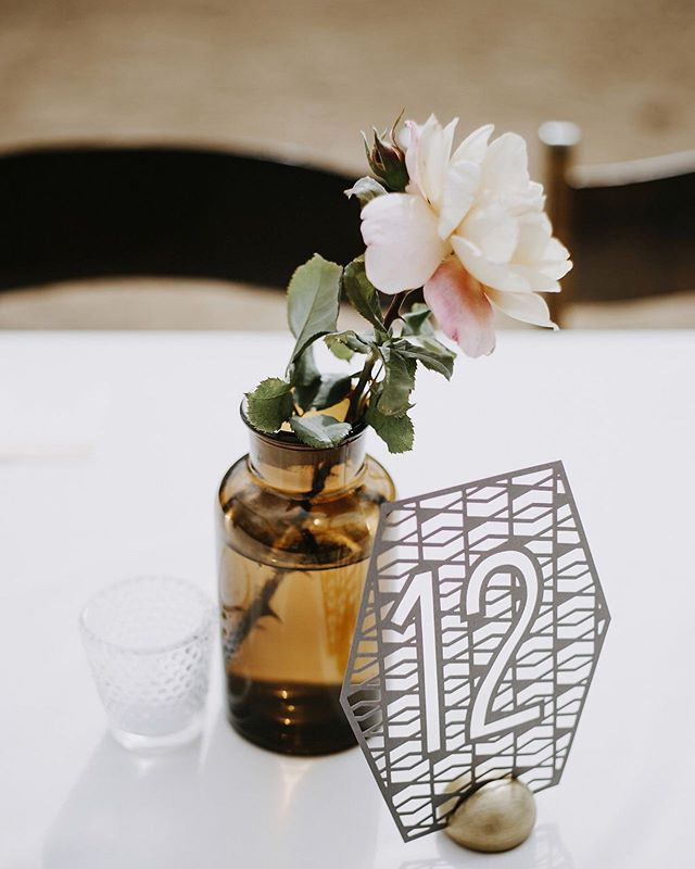 Super into the big centerpieces with all the flowers. But also very into the little bud vases that display the beauty of a single bloom. ♥ If you're on the hunt for a florist... right now is the perfect time to book with us! Because we're just starting back up, our books are wide open! ♥ Not only that, BUT as our portfolio is lacking recent work, I'm looking for about 3 weddings to style at a lower price point. (No minimum!) Yay!!! ♥ Head to the link in profile to check out the website or click the contact button to shoot me an email! ♥ Tag all your engaged friends!!