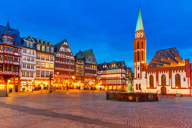 germany-frankfurt-romerberg-old-town.jpg