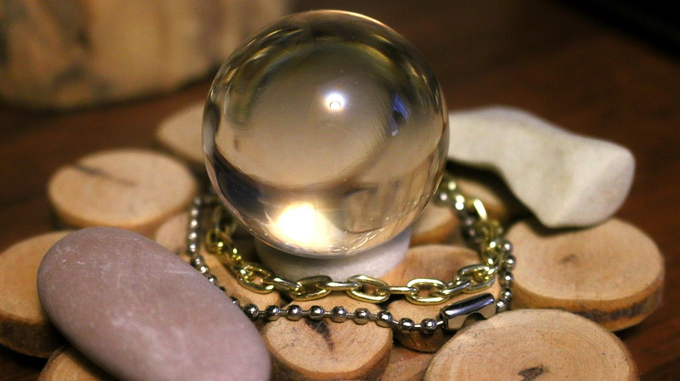 glass-ball-928785_960_720.jpg