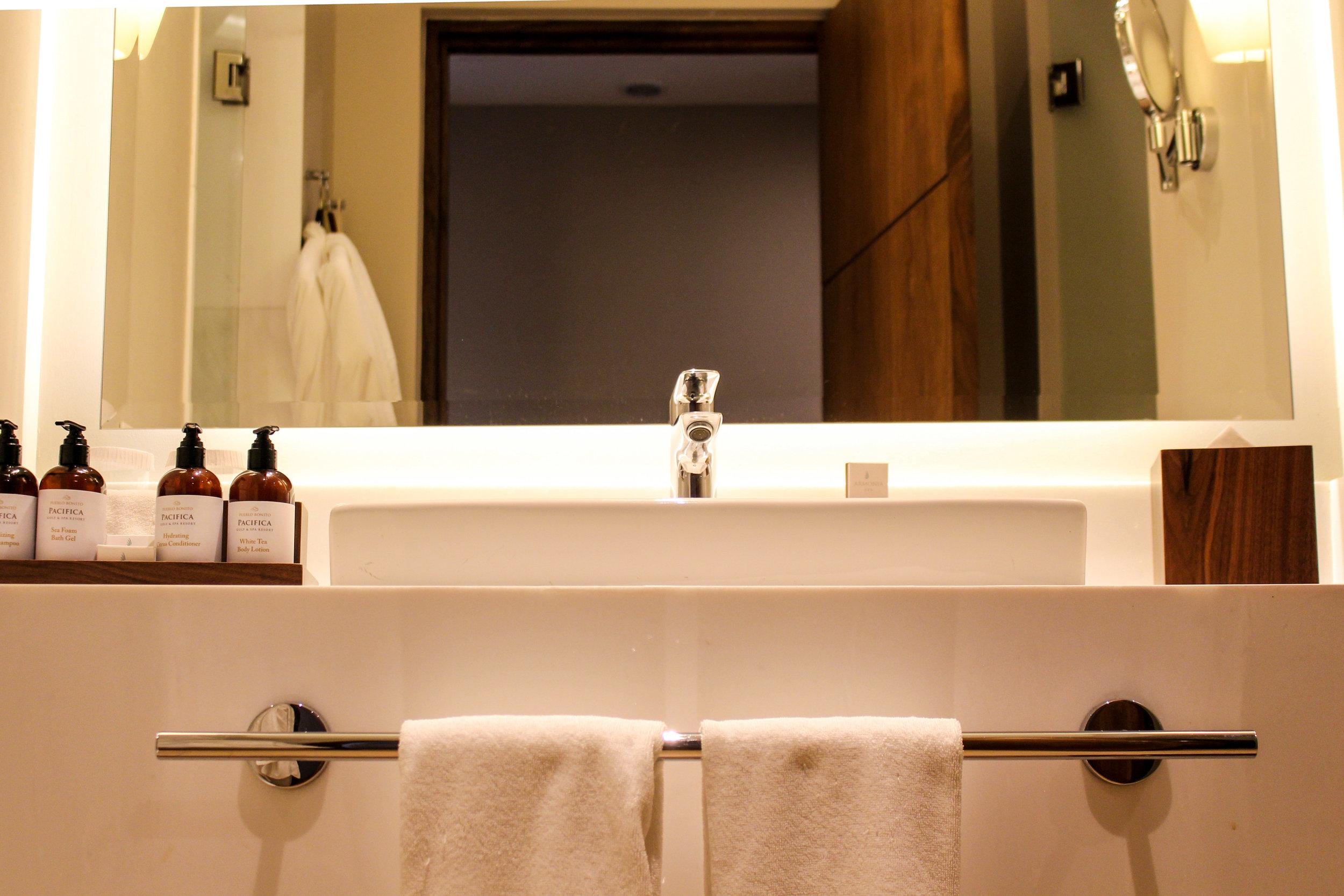 Pueblo Bonito Pacifica The Towers Room Bathroom