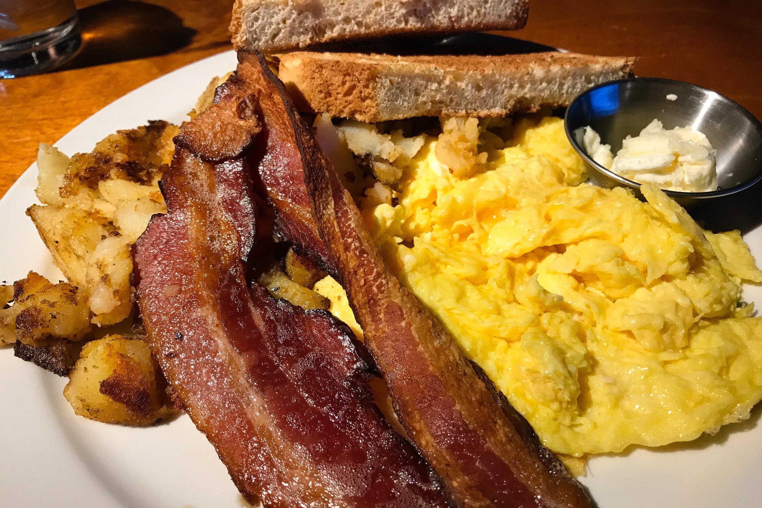 Randi's Irish Grill + Pub Breakfast