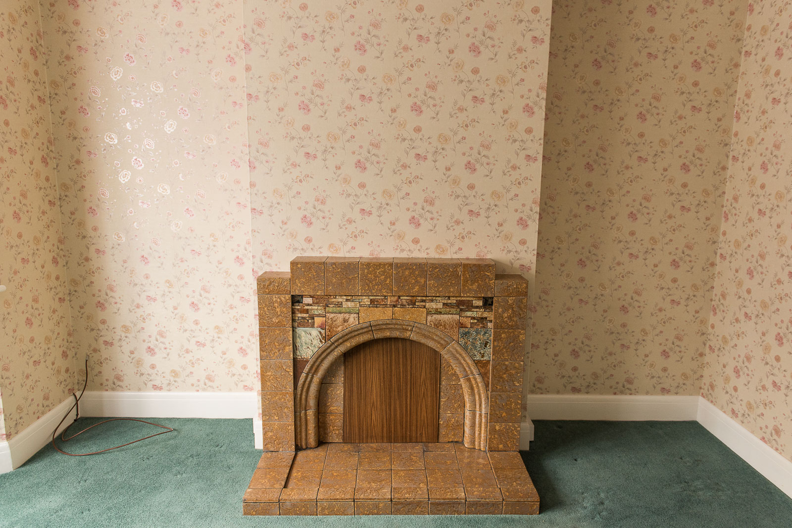 ORIGINAL 1930s FIRE PLACE, ANY TAKERS?