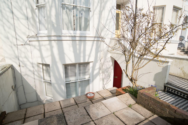 interior blogger's home fifi mcgee.jpeg