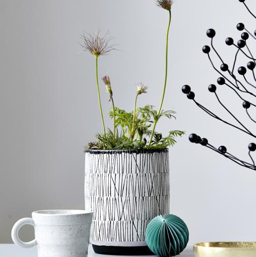 quaff-white-planter-4635-600-1415812386000.jpg