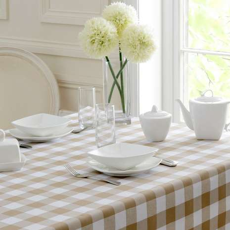 FOR A REAL FRESH FARMHOUSE FEEL OPT FOR A TAUPE GINGHAM TABLE CLOTH