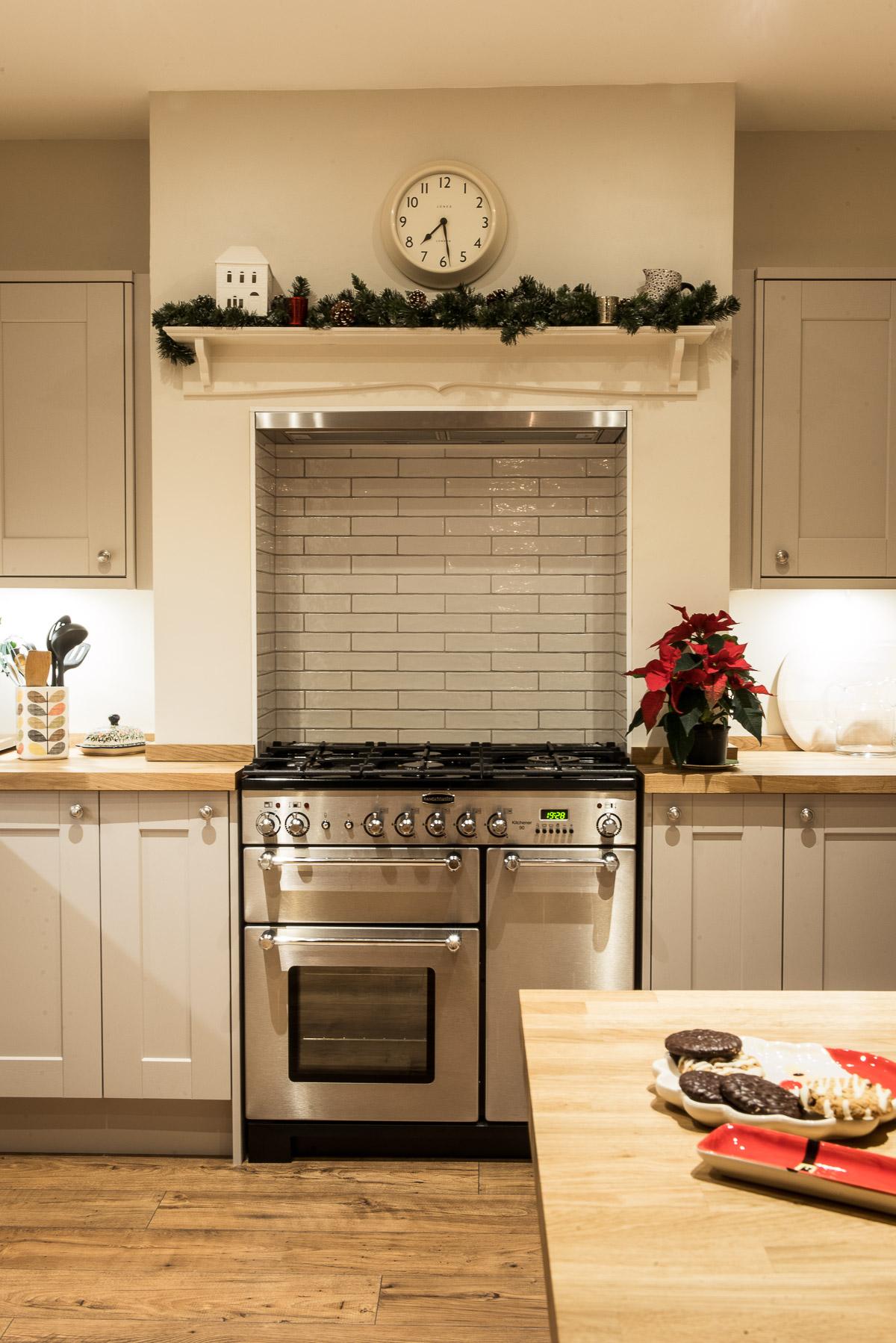 Kitchen diner christmas garland