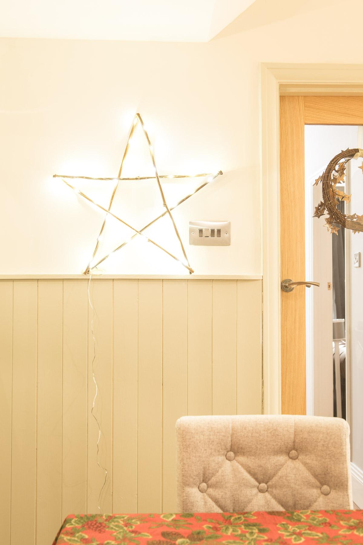 Light up star christmas decoration