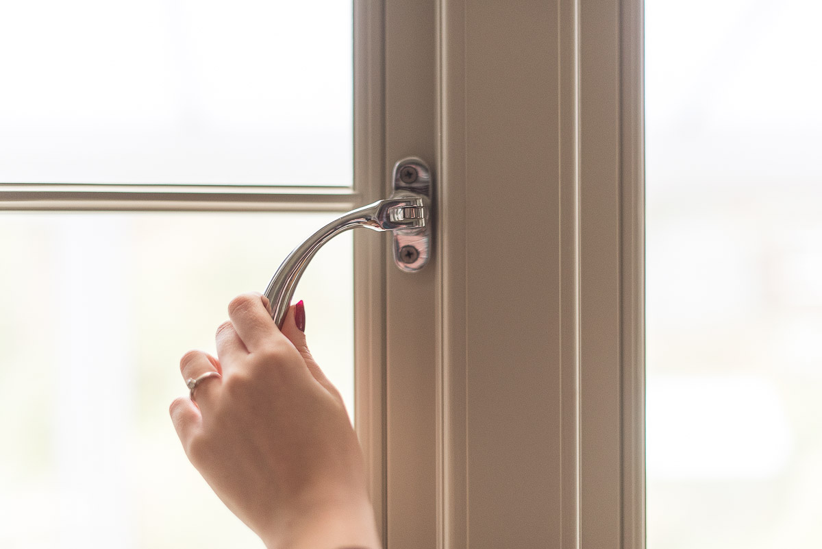 Bereco Sage Window / Silver Bell handle
