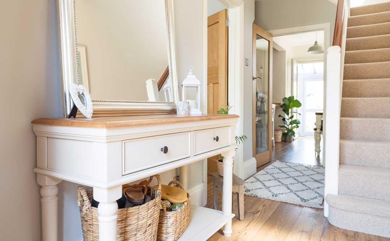 10 Elegant Console Table Ideas For A Classy Hallway Fifi Mcgee Interiors Renovation Blog