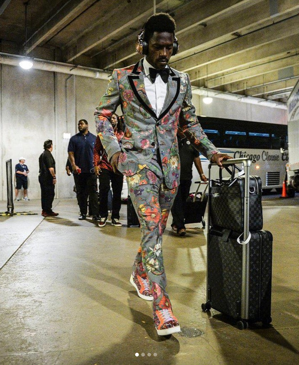 Antonio Brown really loves Gucci suits.