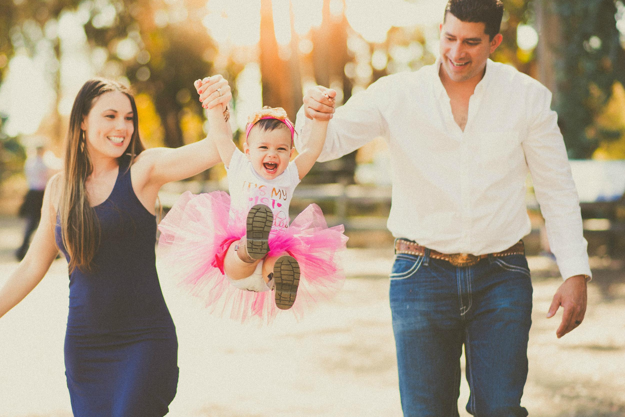 Holguin Family -- Reilynn's 1st Birthday-7.jpg