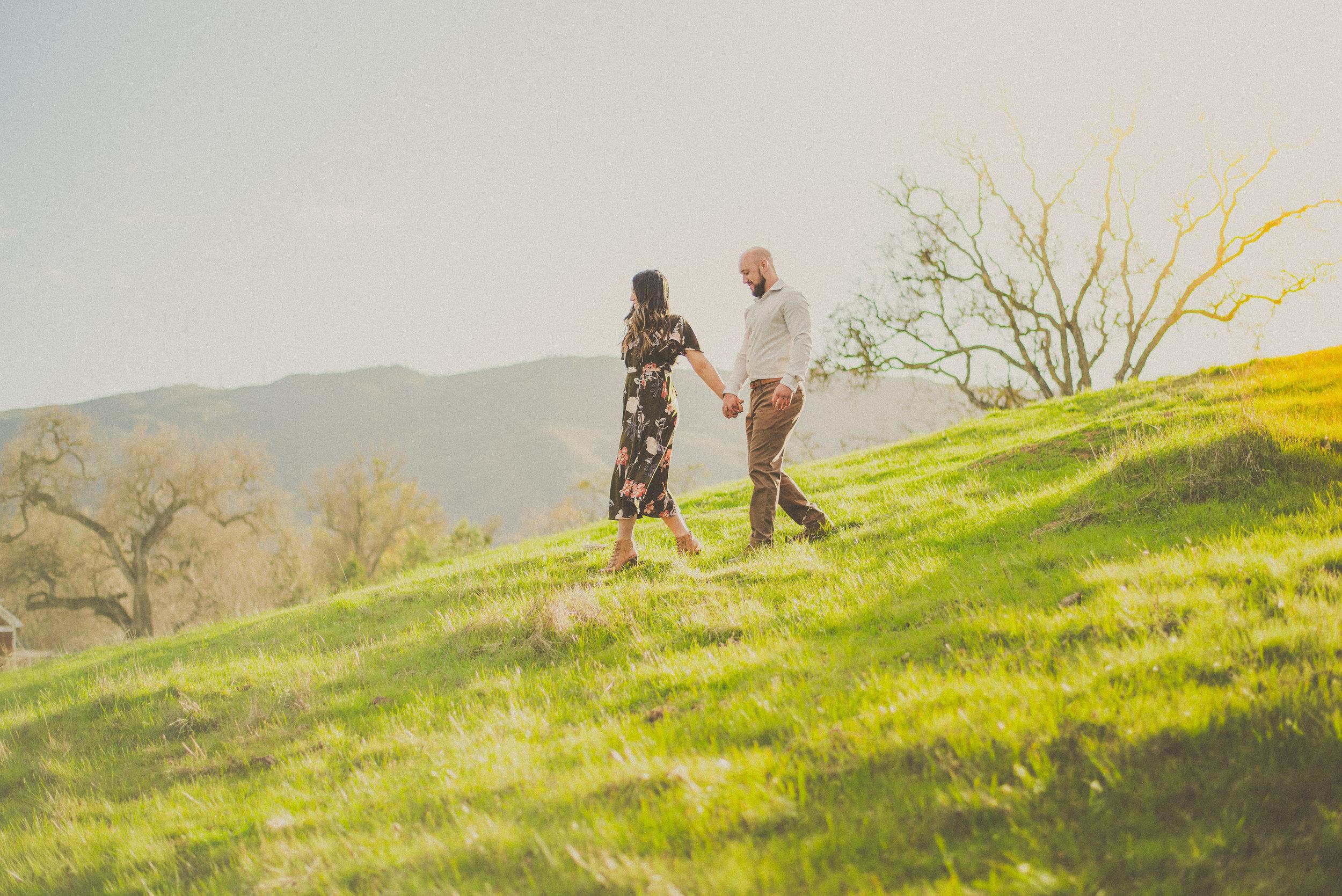 Ariana & Jonas - Engagement-28.jpg