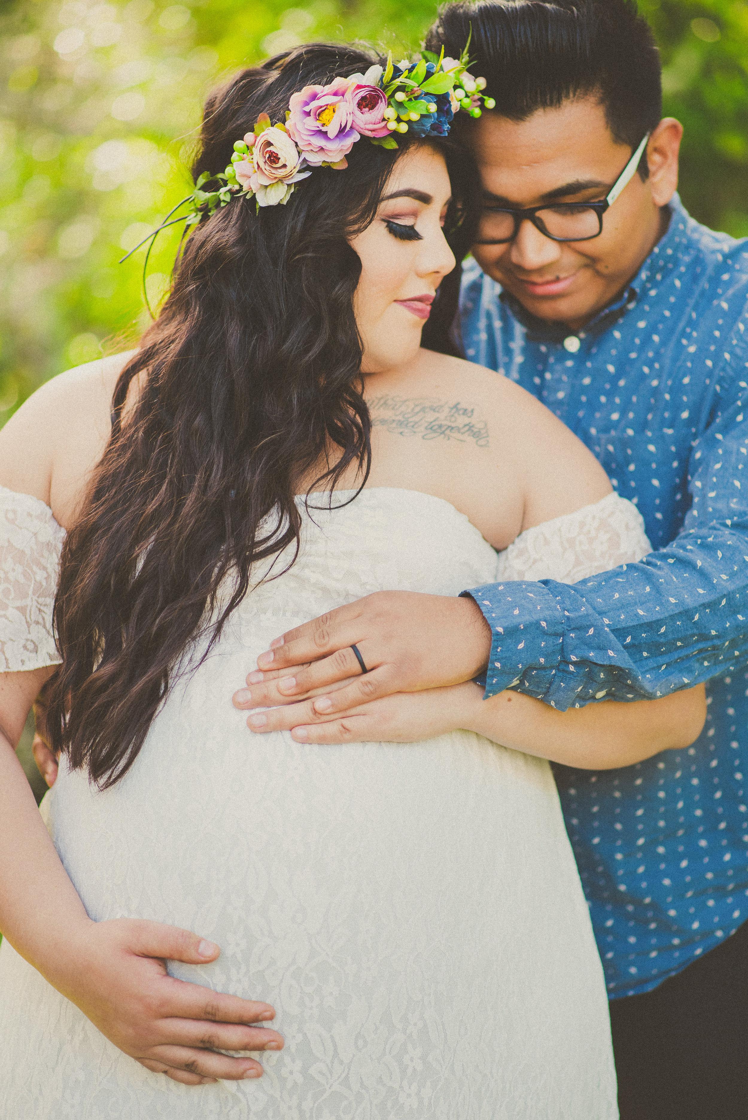 Cassie & Josh - Maternity-5.jpg