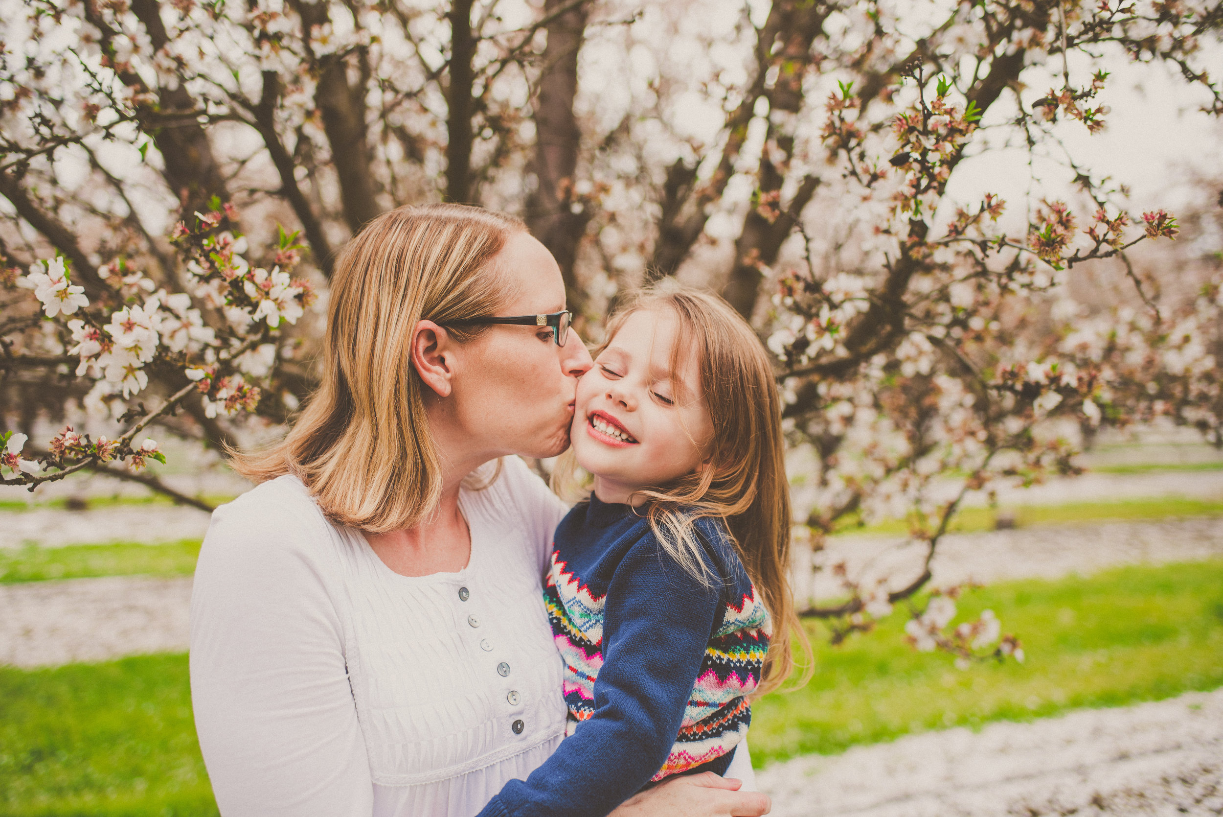 Almond Blossom Family Portraits-31.jpg