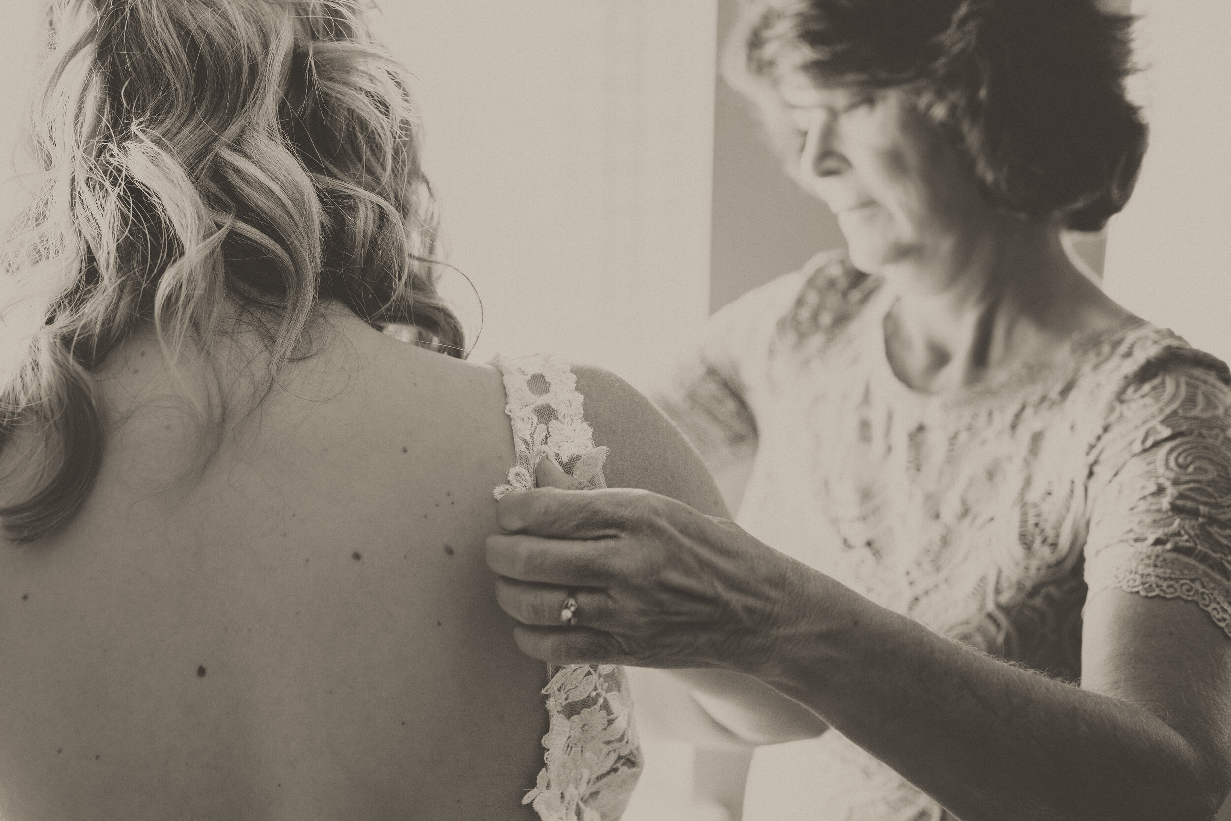 Kyle & Ariana + Details + Bride Getting Ready-31.jpg