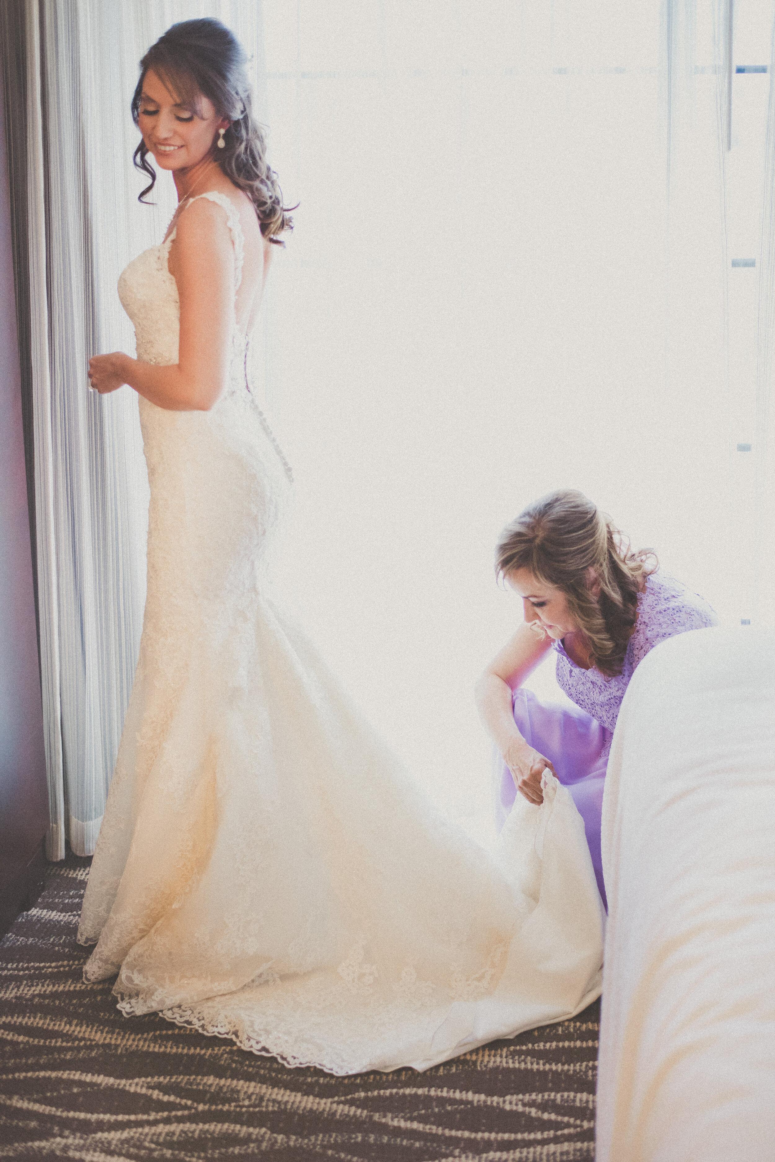 Roberts Wedding - Getting Ready-29.jpg