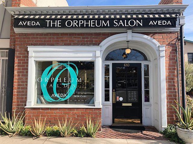 New door paint and window graphic to start the New Year 🎉 . . . . . . #aveda #styledbyaveda #naturallyderived #smellslikeaveda #avedacolor #avedaartist #avedastylist #avedasalon #pasadena #southlakeavenue #haircare #skincare