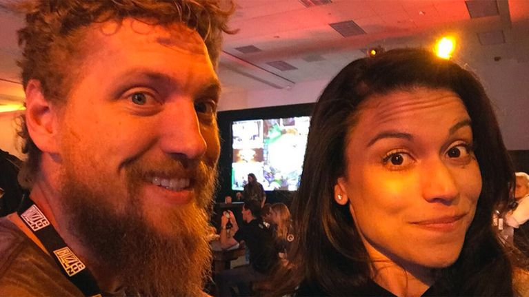 Fox Sports - Hunter Pence calls out girlfriend for inappropriate 'goosing'