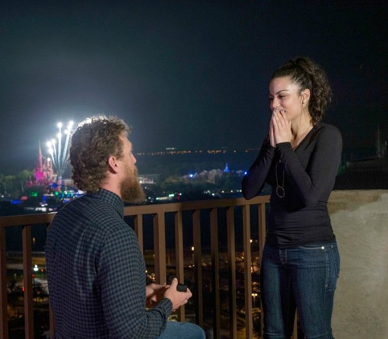 People - Giants Player Hunter Pence Stages Fake Interview to Propose to His Girlfriend at Disney World