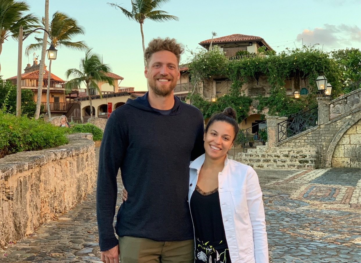 Diario Libre - Alexis and Hunter Pence say goodbye to the Dominican.