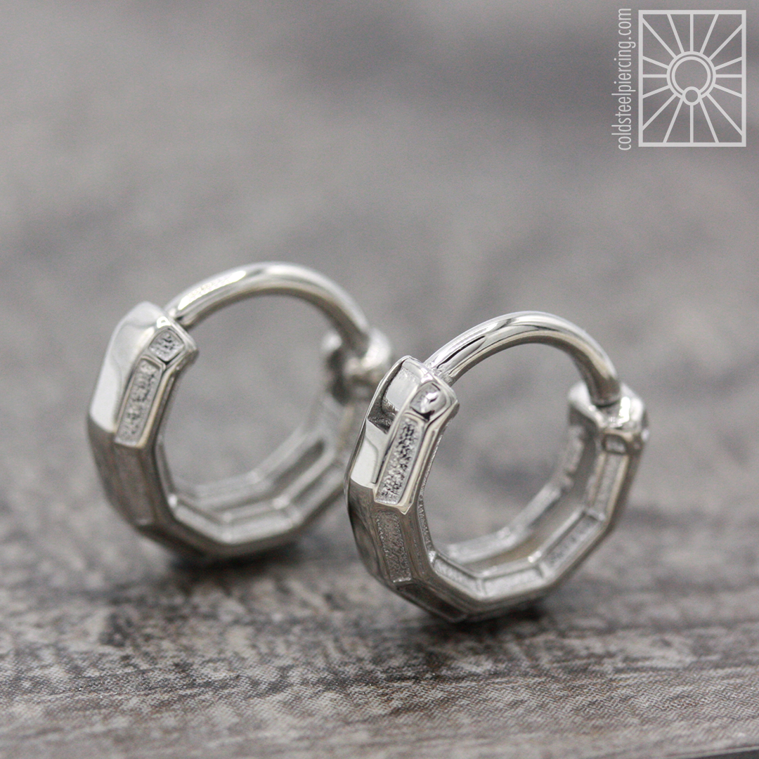 """""""Tharsis"""" hinged rings from Tether Jewelry. Not only would these look great in septum or daith piercings, but earlobes as well ✨👂🏻✨"""