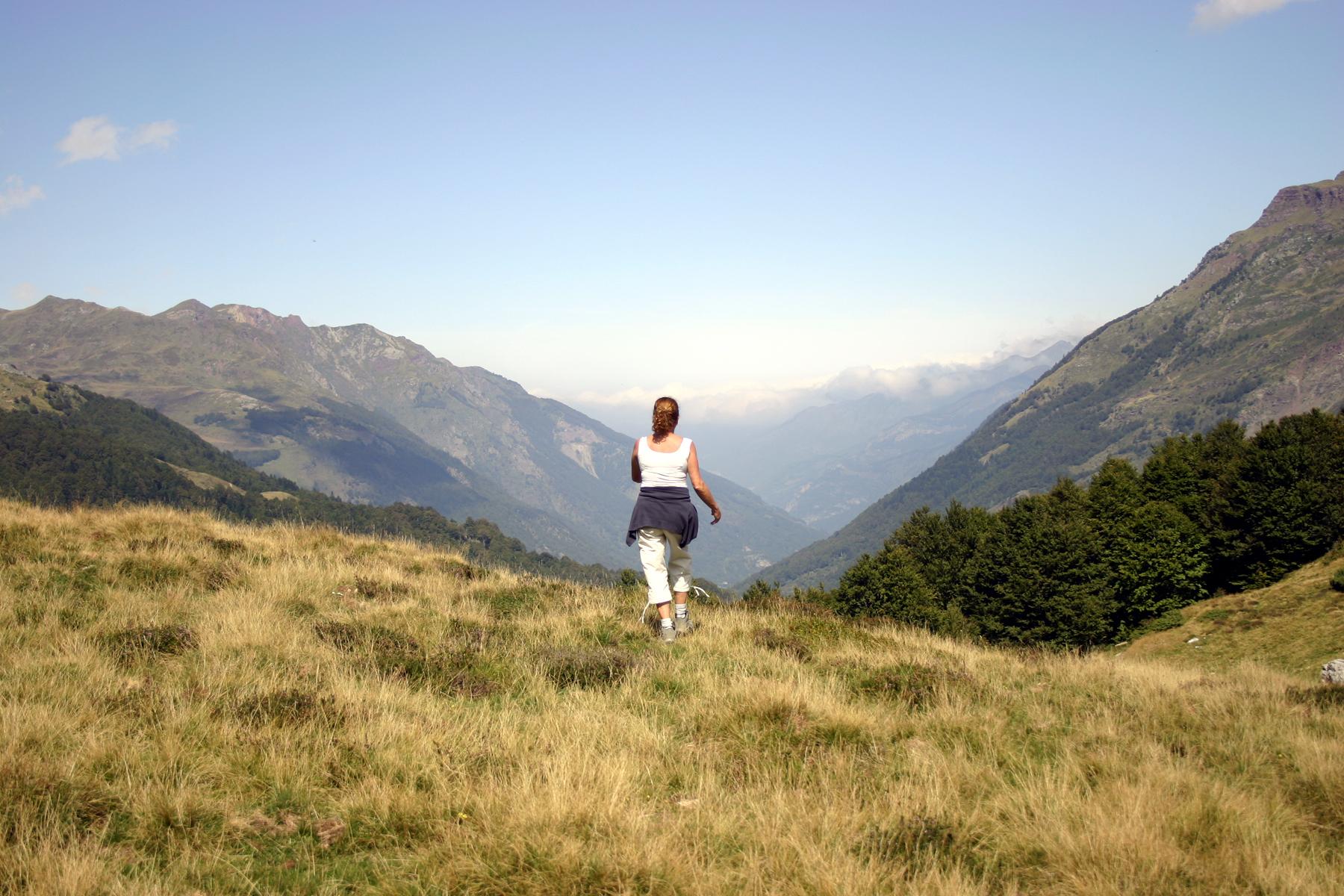 walking-on-the-mountain-1-1566594.jpg