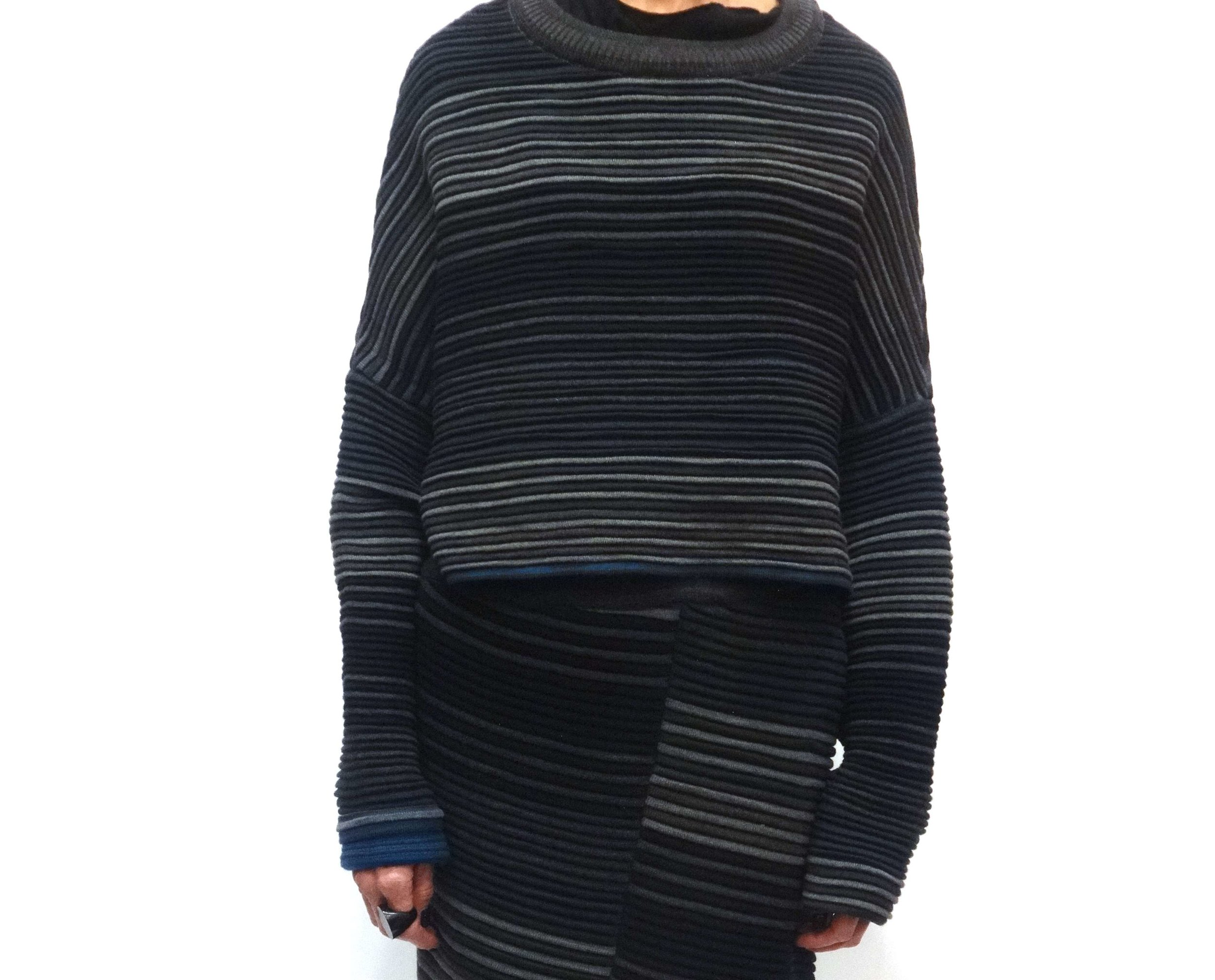 WELT CROP JUMPER_DARK_REDUCED.jpg