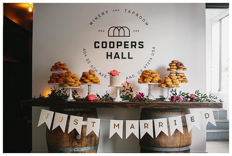 Wedding Florist Oregon Coopers Hall Portland Cake Table Dessert