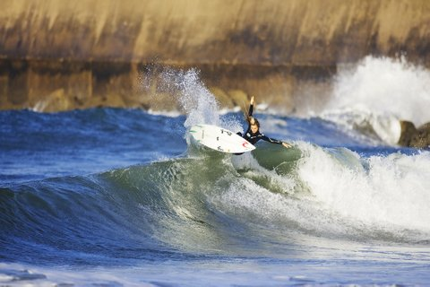 WOMEN WHO SURF - ALANA BLANCHARD SHRALPING