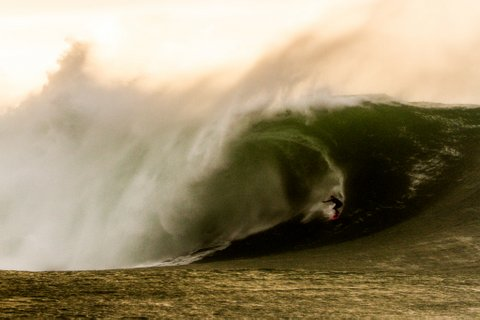 WOMEN WHO SURF - EASKY AT MULLACHMORE