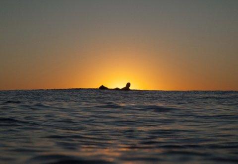 WOMEN WHO SURF - BIANCA HIPPIE SILHOUETTE