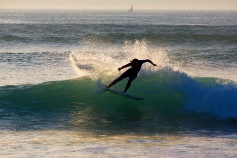 WOMEN WHO SURF - MUCH ADO ABOUT PAULINE