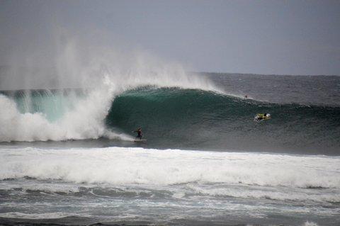WOMEN WHO SURF - SALLY FITZ LIKES POWER