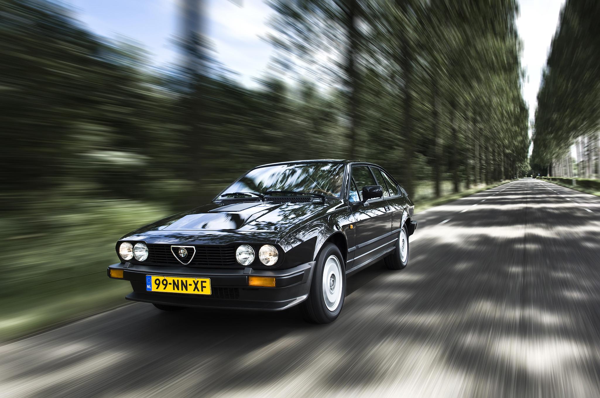Alfa Romeo GTV6_004.jpg