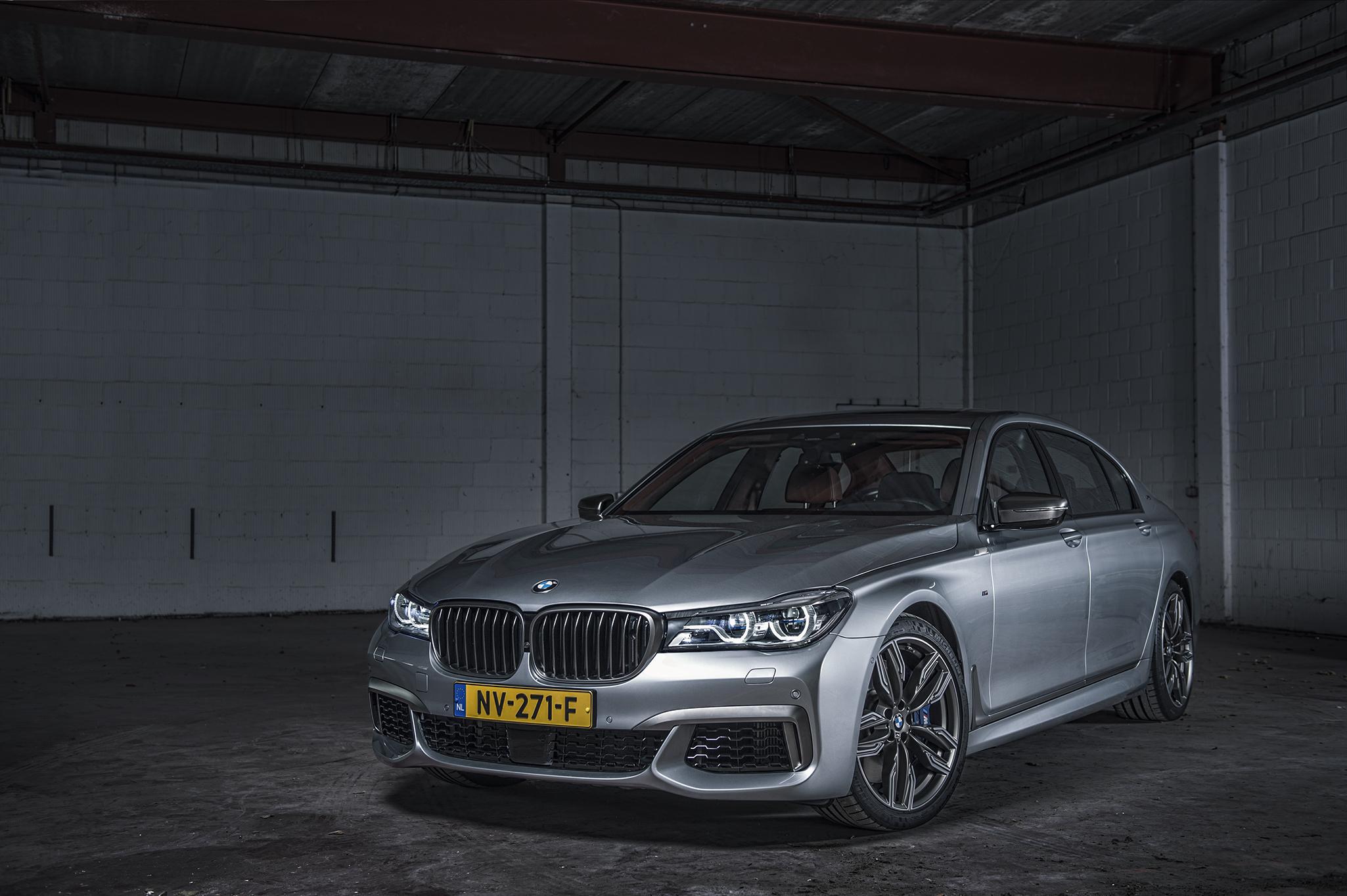BMW760V12_04.jpg