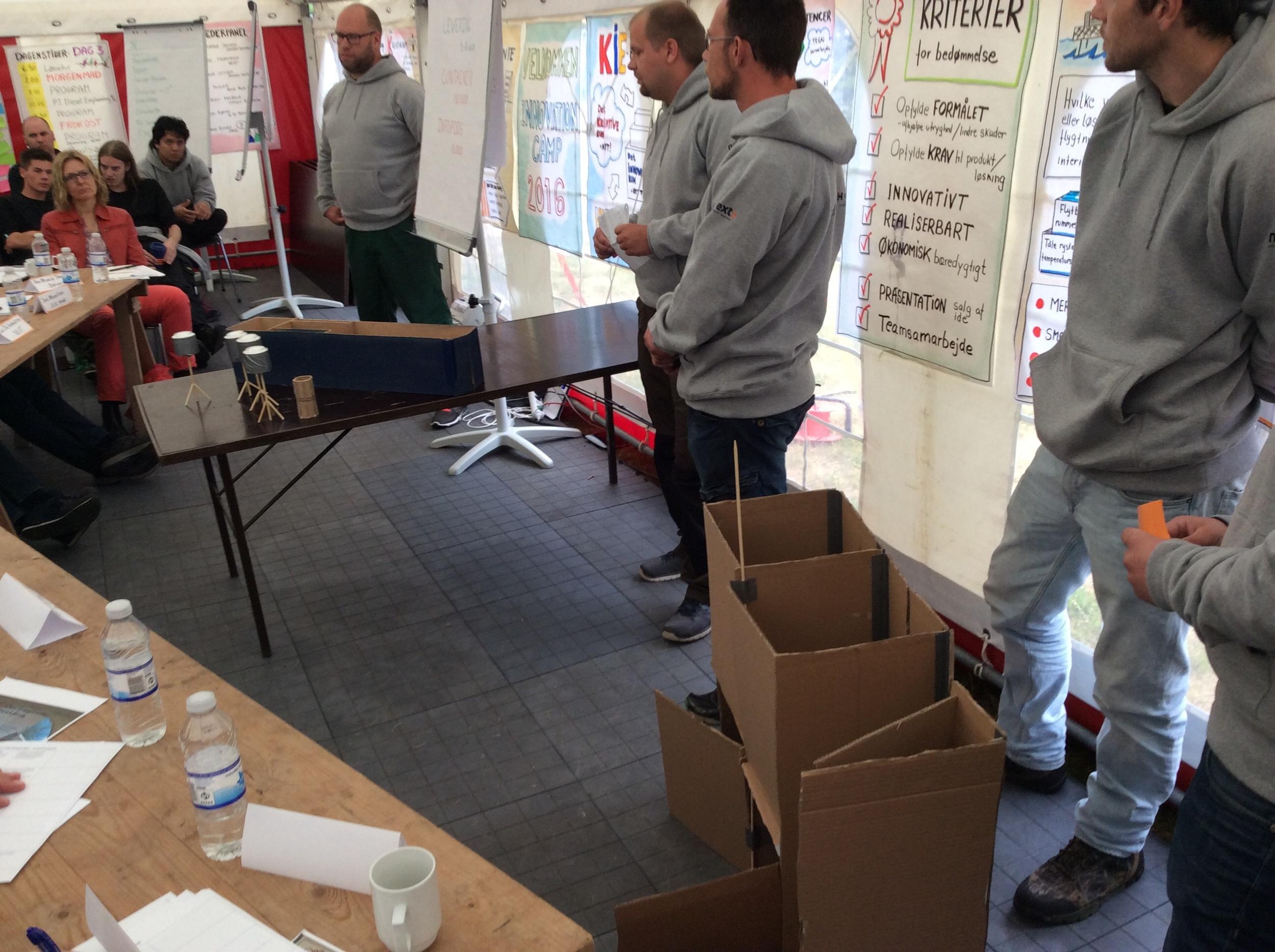 ICALM (information centre aid logistics modules) Her er målet at samle information om flygtninge og give information til dem. Både for at hjælpe flygtninge til at finde familie, men også for at indhente information om kompetencer, som evt. kan bruges i lejrene. Samtidig vil der køre infoskærme med nyheder fra deres område, og der vil blive oplyst om hygiejne. Der er desuden en jobcentral, som skal hjælpe med at koordinere hjælpearbejdere.Det hele er indbygget i en container, som samtidig kan benyttes til at opbevare ejendele, således at flygtninge har mulighed for at passe på deres værdier.
