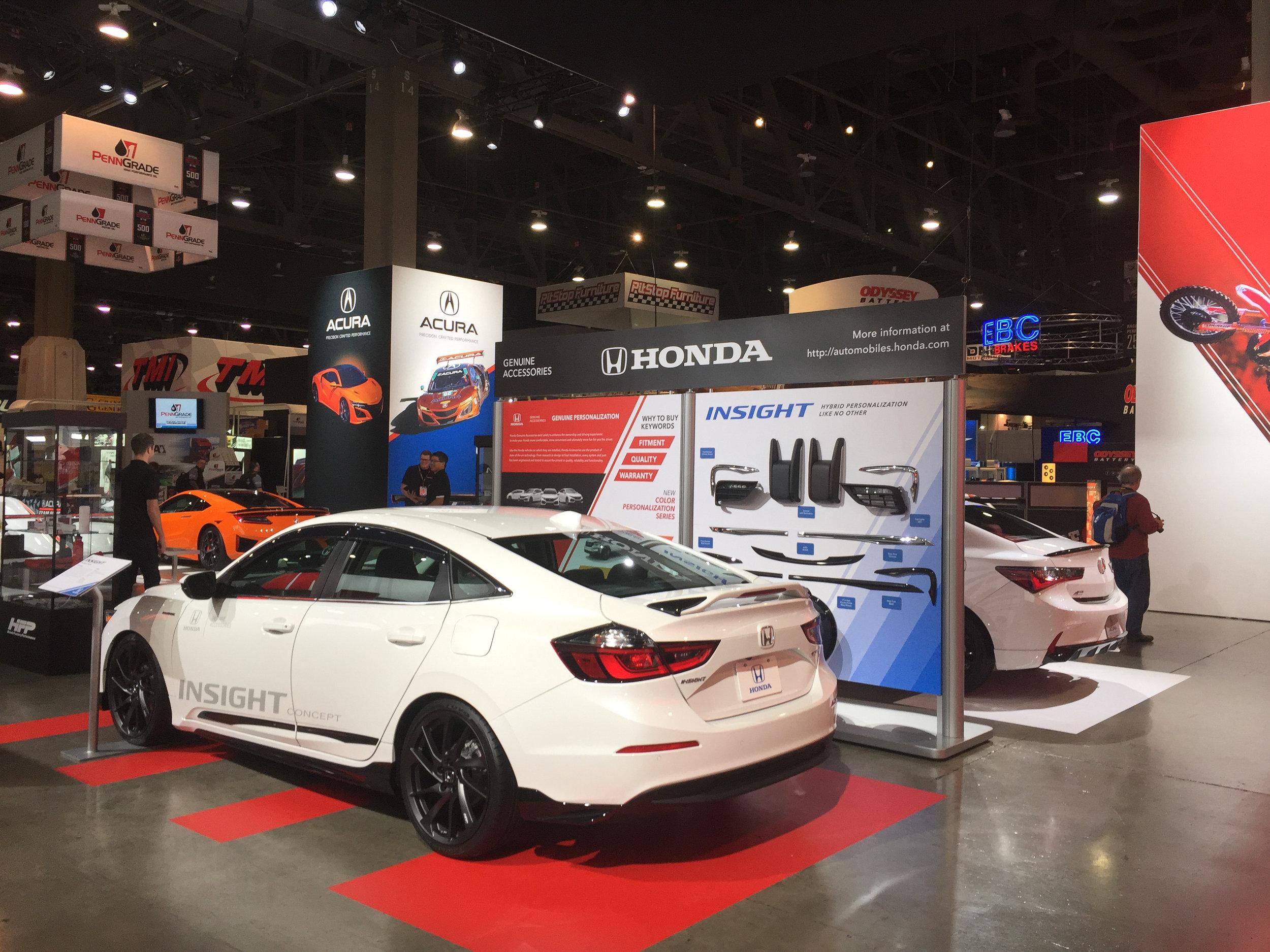Product Accessory Display, Honda Insight + Graphics Side, Honda+Acura & GPJ, 2018