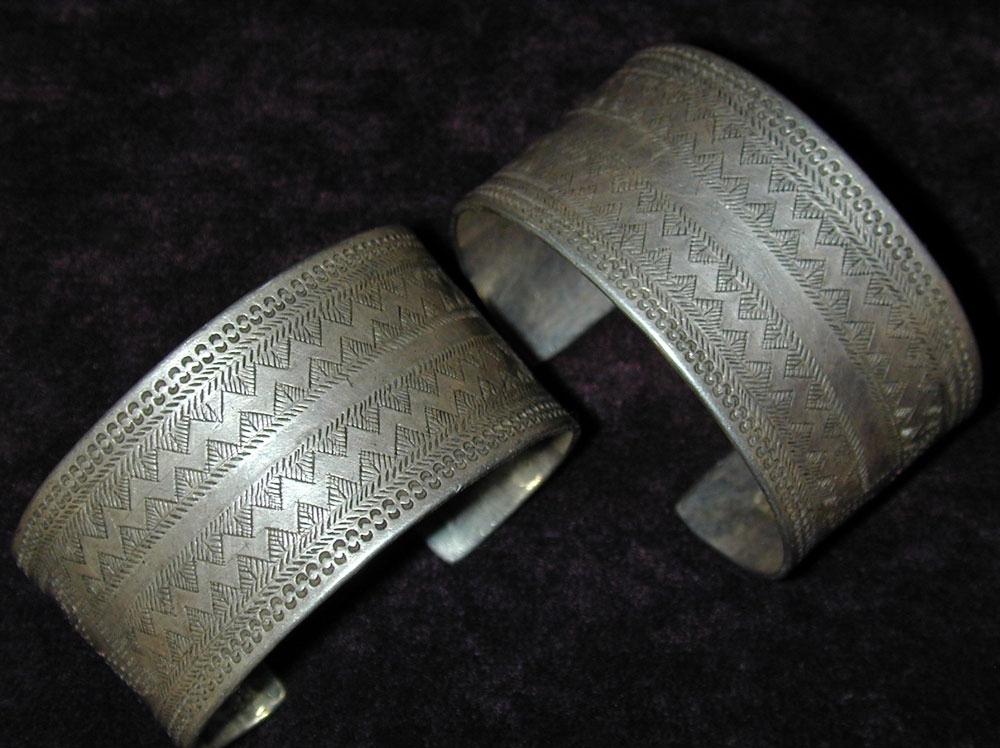 Akha, Lahu or Lisu silver bracelet pair, northern Burma or Siam, early 20th century.