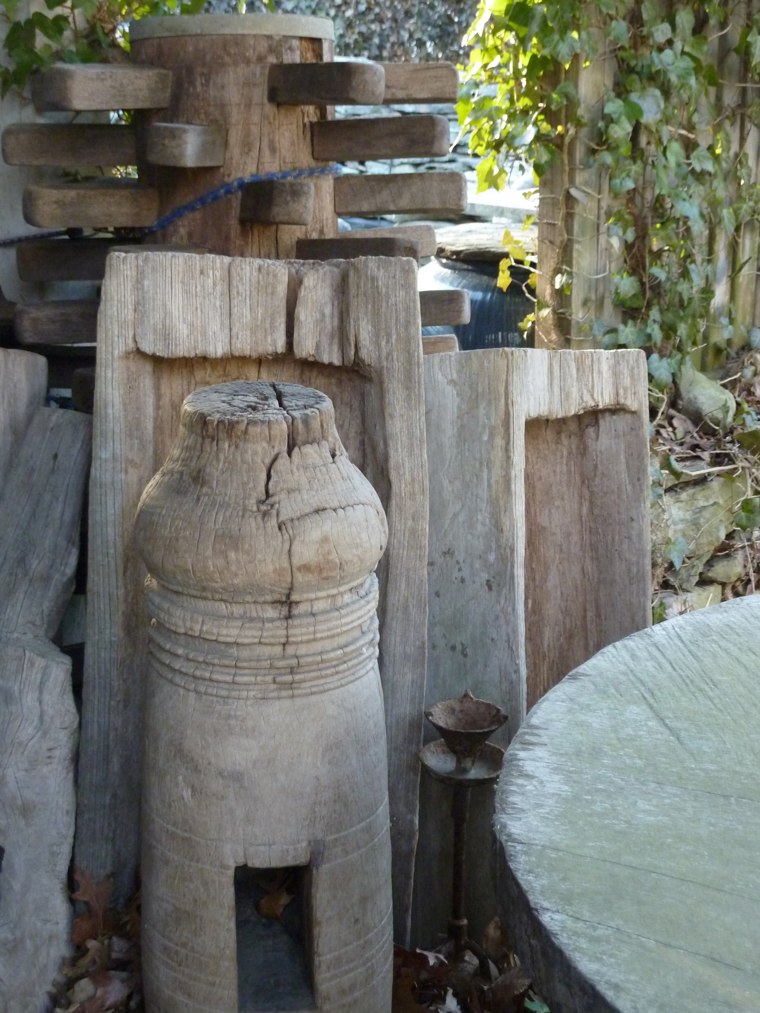 Teak wood objects, Siam, early 20th century.