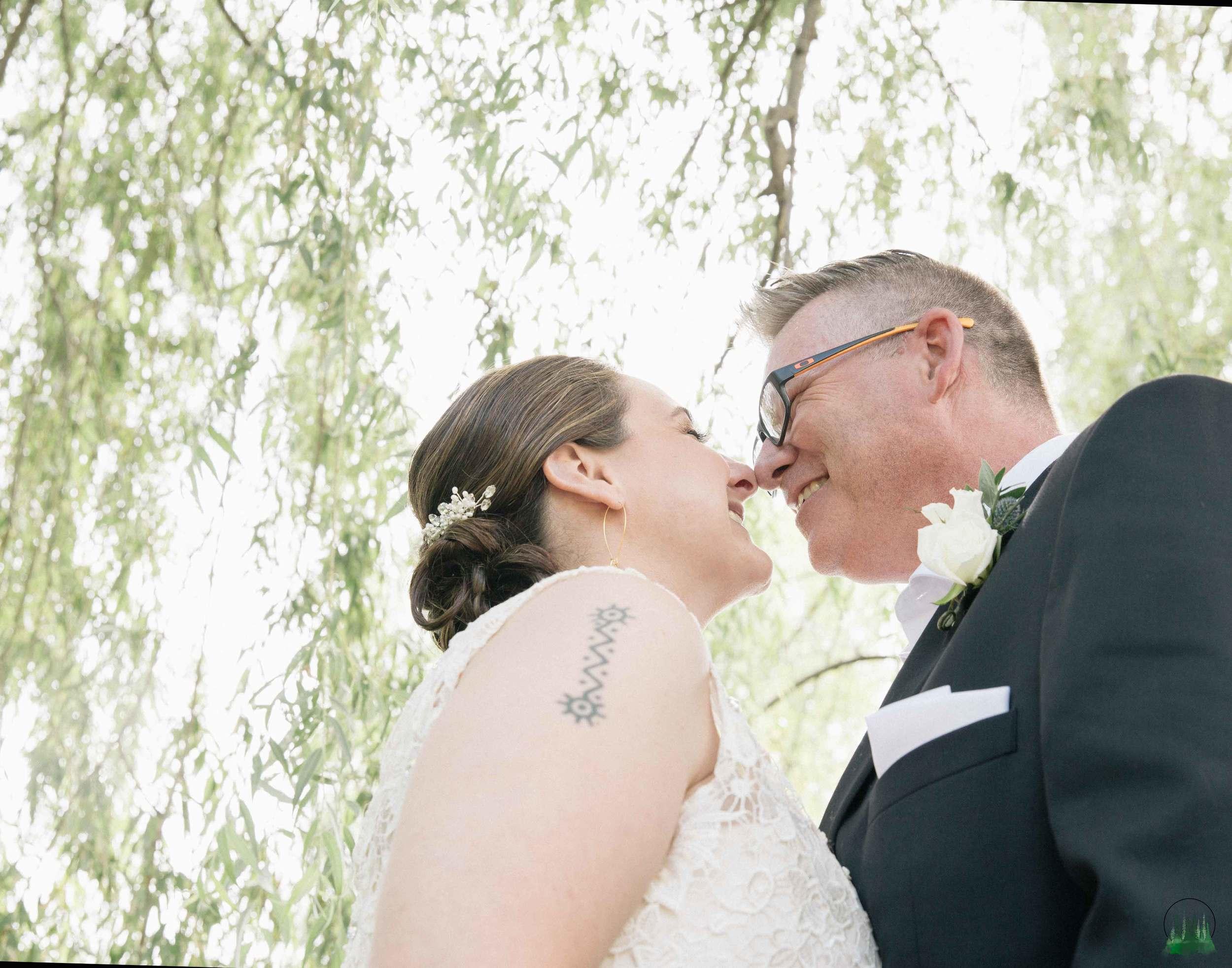 Mr&Mrs-Howell-98sig.jpg